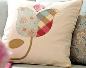 Декор подушок своїми руками - аплікація з тканини фото