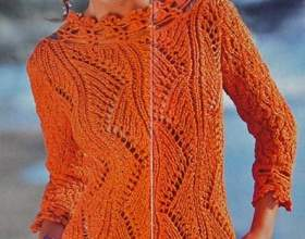 Гарний пуловер з ажурним візерунком фото