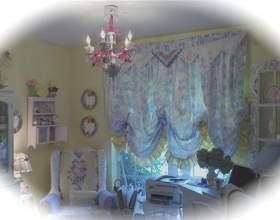 Меблі хенд мейд прикрашена мозаїкою фото