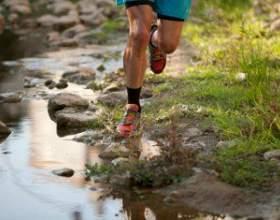 Спортивне взуття для бігу фото
