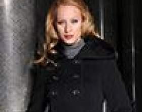 Жіноче пальто з капюшоном: практично і романтично фото